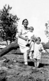 Baby Lillie & Mary with their mother, Della Ray