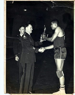 Joe Louis Akins photos